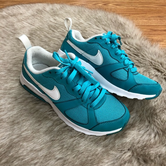 Nike Air Max Muse Women's Size 6